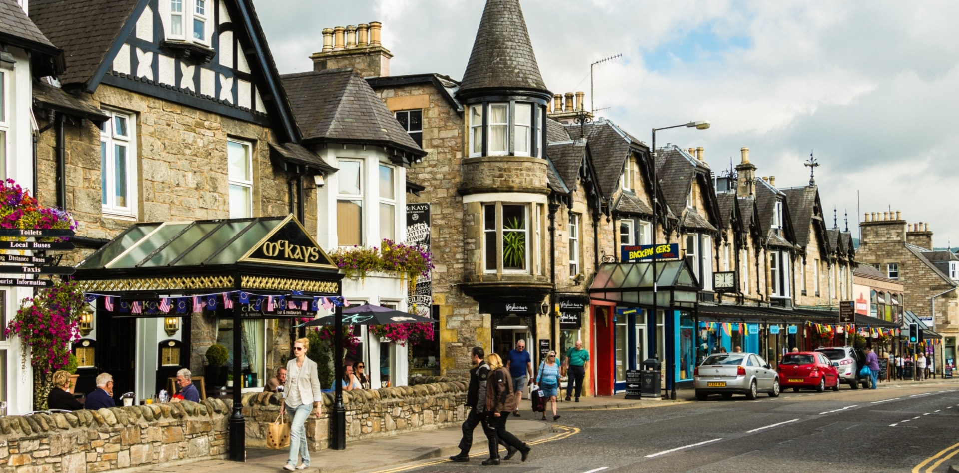 Private tour to Edinburgh, Pitlochry, Inverness in Scotland