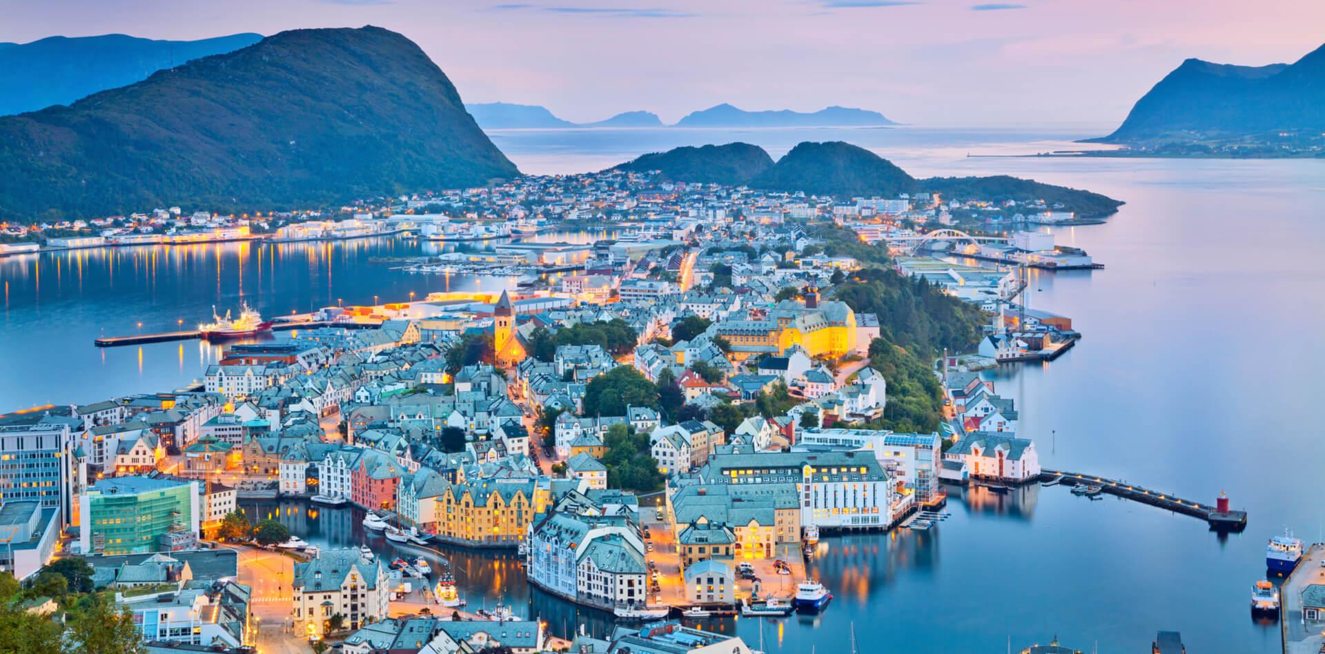 Private trip to Oslo, Flam, Balestrand, Geiranger, Alesund, Bergen in Norway