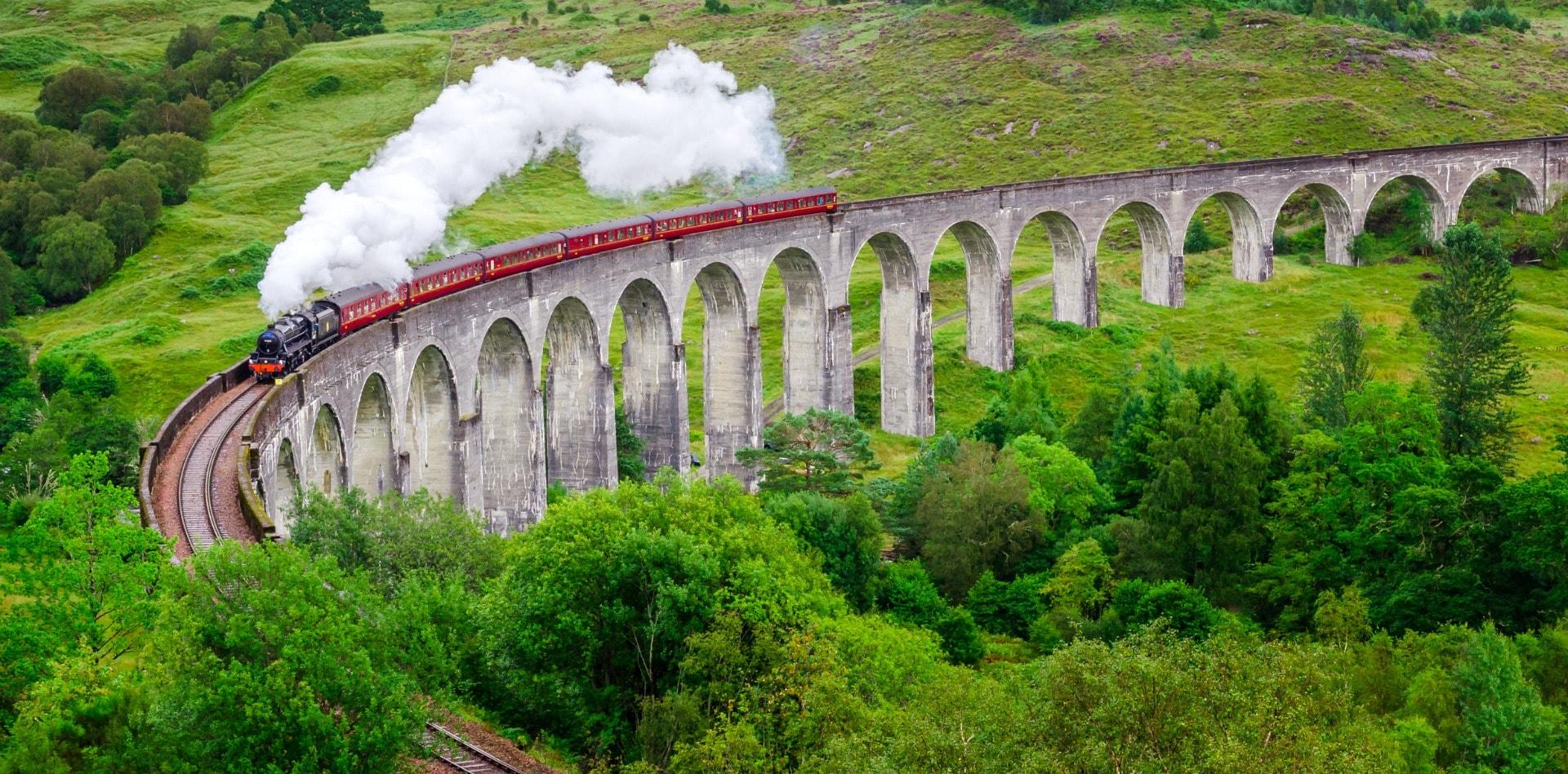 Private tour to Edinburgh, Inverness, Fort William in Scotland