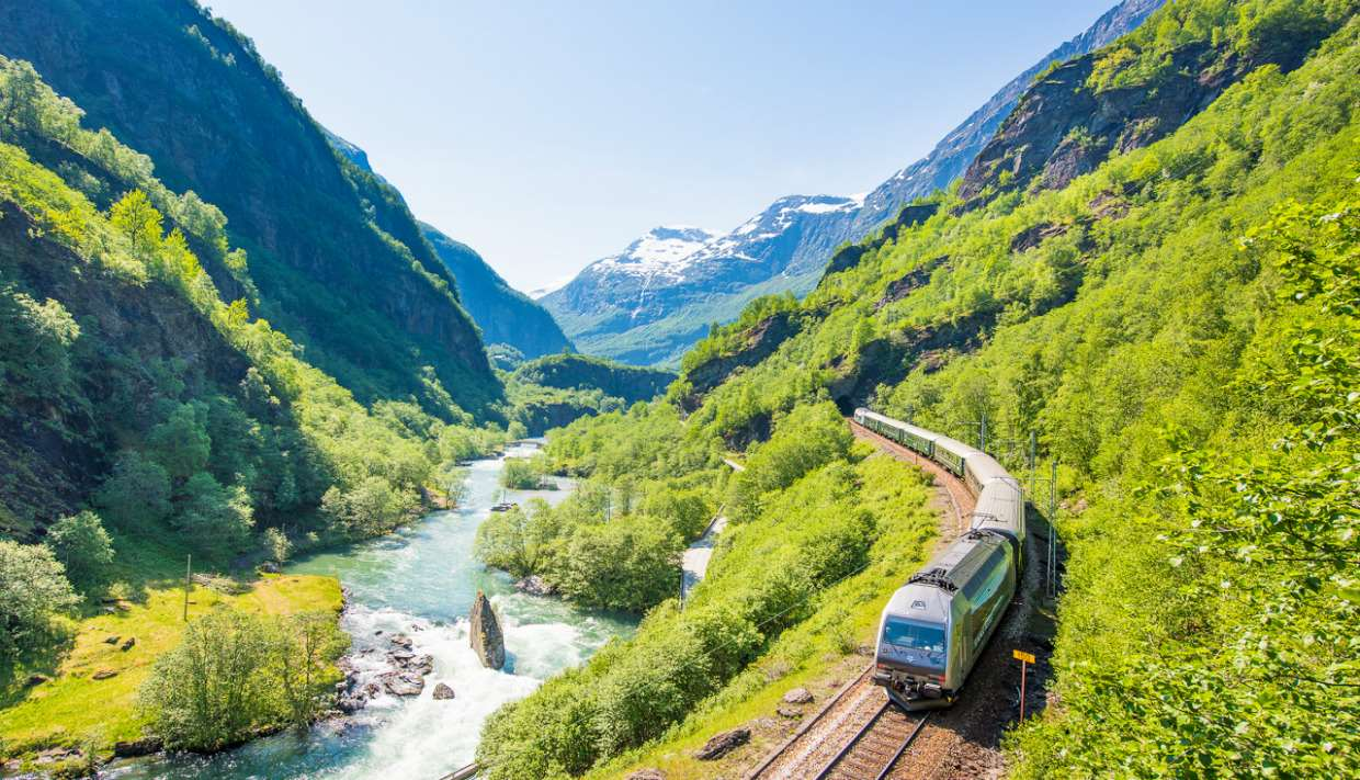 Private tour to Oslo, Flam, Balestrand, Bergen in Norway