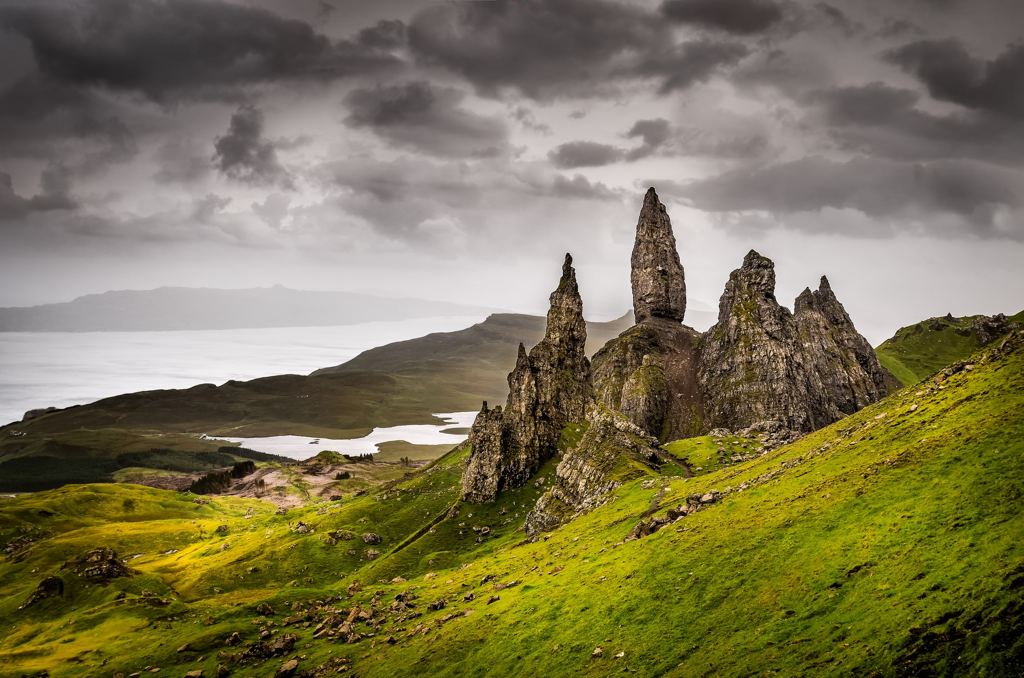 Private tour to Edinburgh, Pitlochry, Inverness, Isle of Skye, Fort William in Scotland