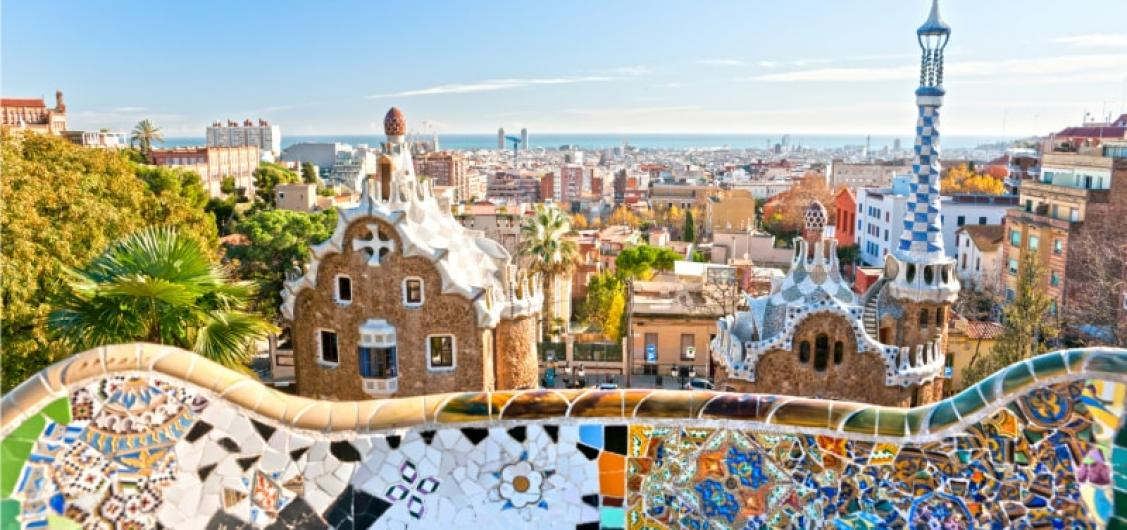 Sagrada Familia & Park Guell Guided Tour with Transport