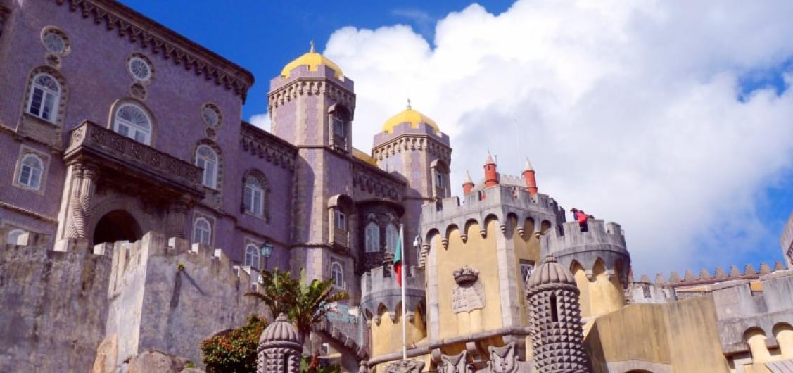 Full Day Tour of the Belem Quarter and Trip to Sintra with Guide-driver