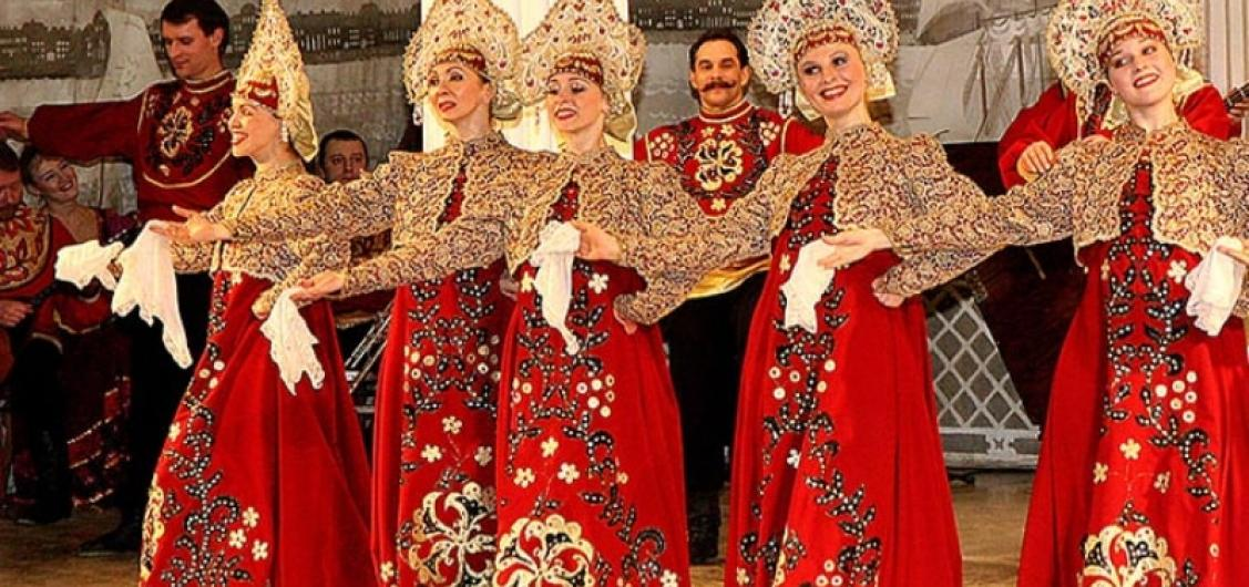 Feel Yourself Russian Folk Show with Private Transfers