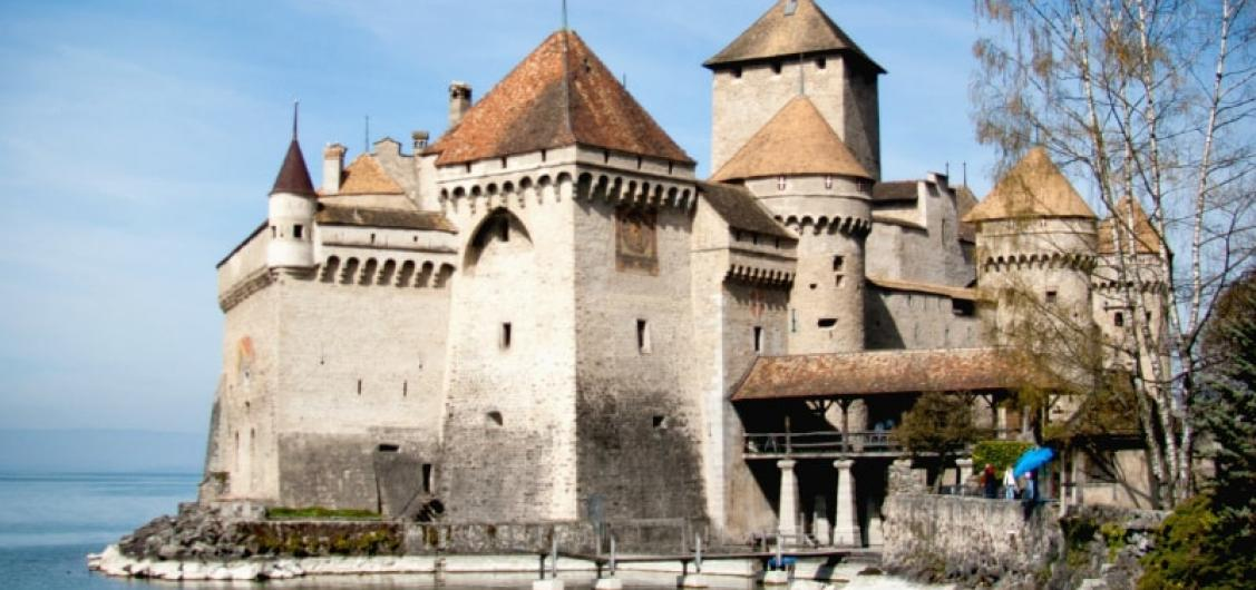 Tour of Chillon Castle and  Montreux Sightseeing