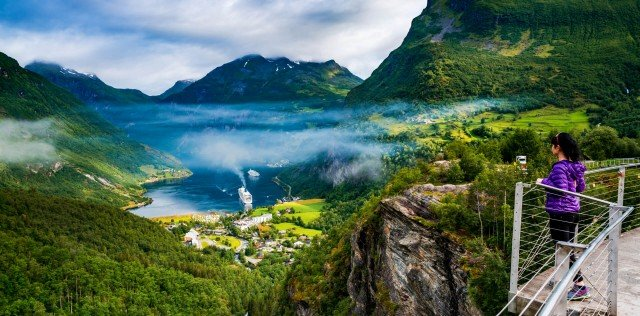Definitive Norway & Iceland Small group tour