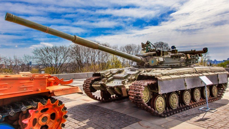 Full Day Private Tour to Tank Museum and Patriot Park