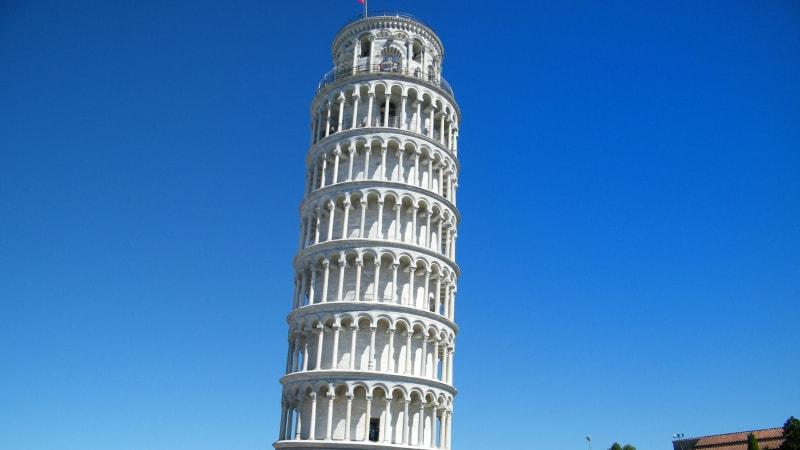 Full Day Tour to Pisa and Lucca by Trains