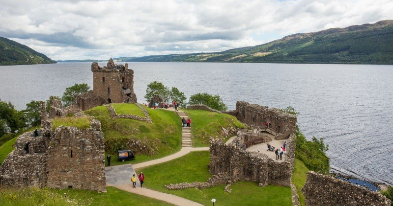 Full Day Group Tour to Loch Ness, Glencoe and Highlands