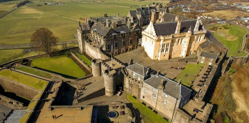Full Day Private Tour to Stirling Castle and Trossachs