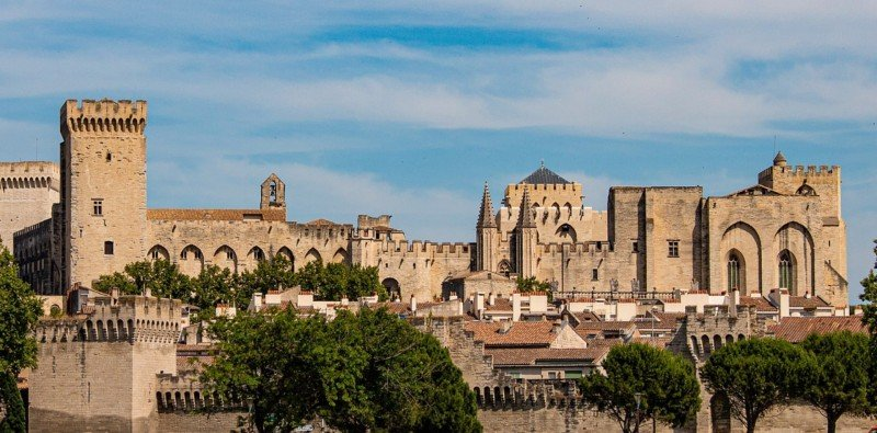 Full Day Group Tour to Provence and Avignon