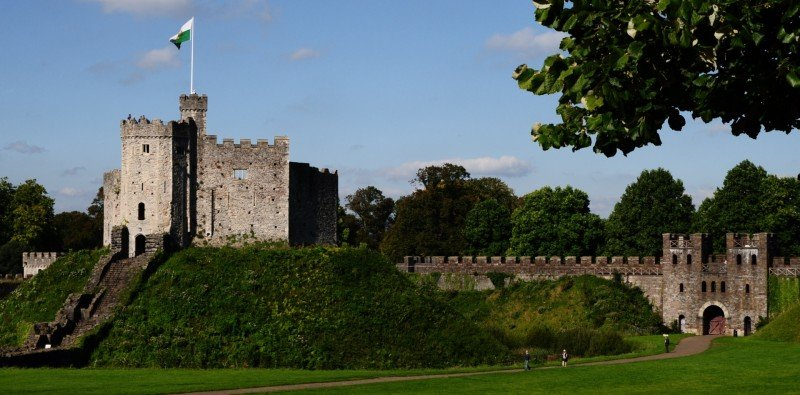Half Day Walking Tour & Visit to Cardiff Castle