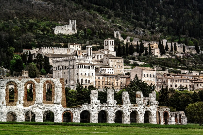 Full Day Private Gubbio and Assisi Tour